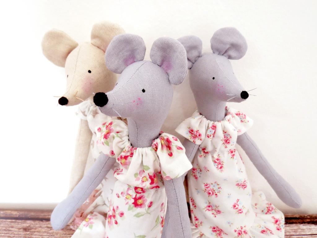 שלוש עכברות